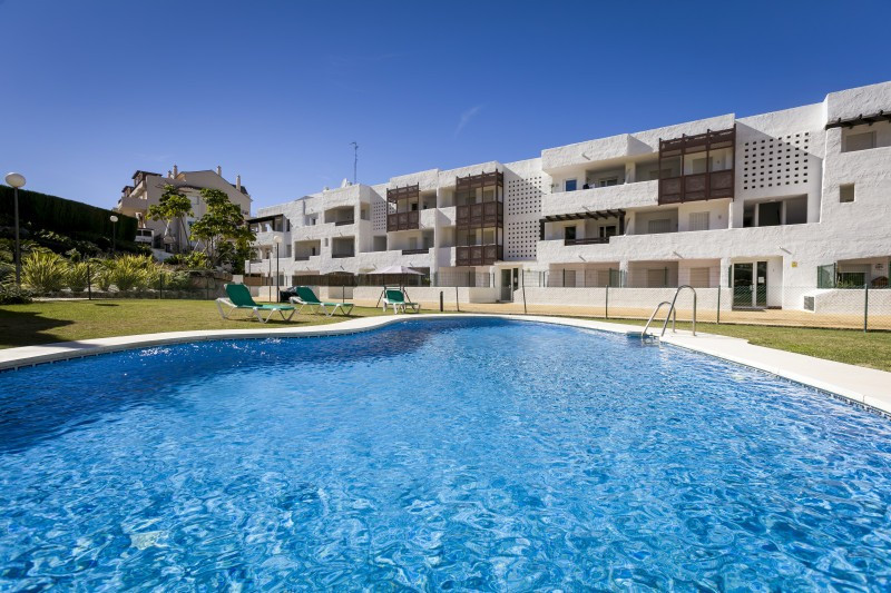These properties situated in a secure gated community enjoy excellent views to the 18-hole golf cour, Spain