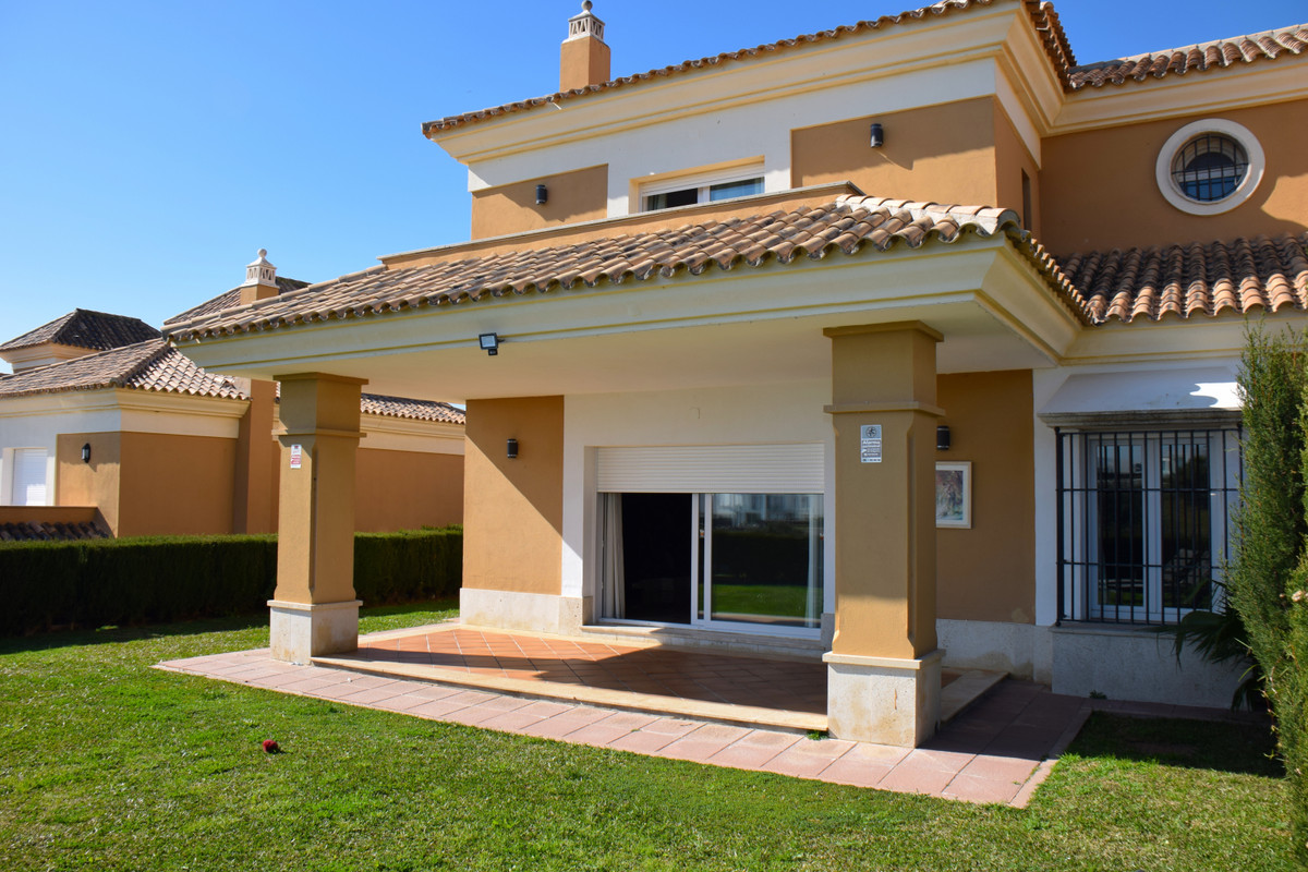 Beautiful property in first line golf with very nice views over the golf and the sea! The property i, Spain