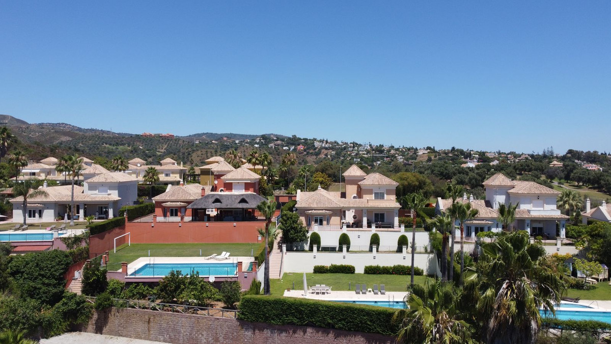 Fabulous independent villa with large plot and private pool. Situated front line golf, the house has, Spain