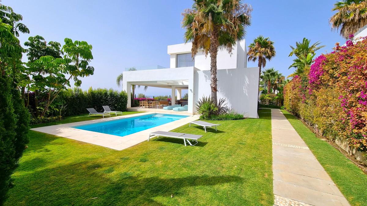 R3036086 Villa Río Real, Málaga, Costa del Sol