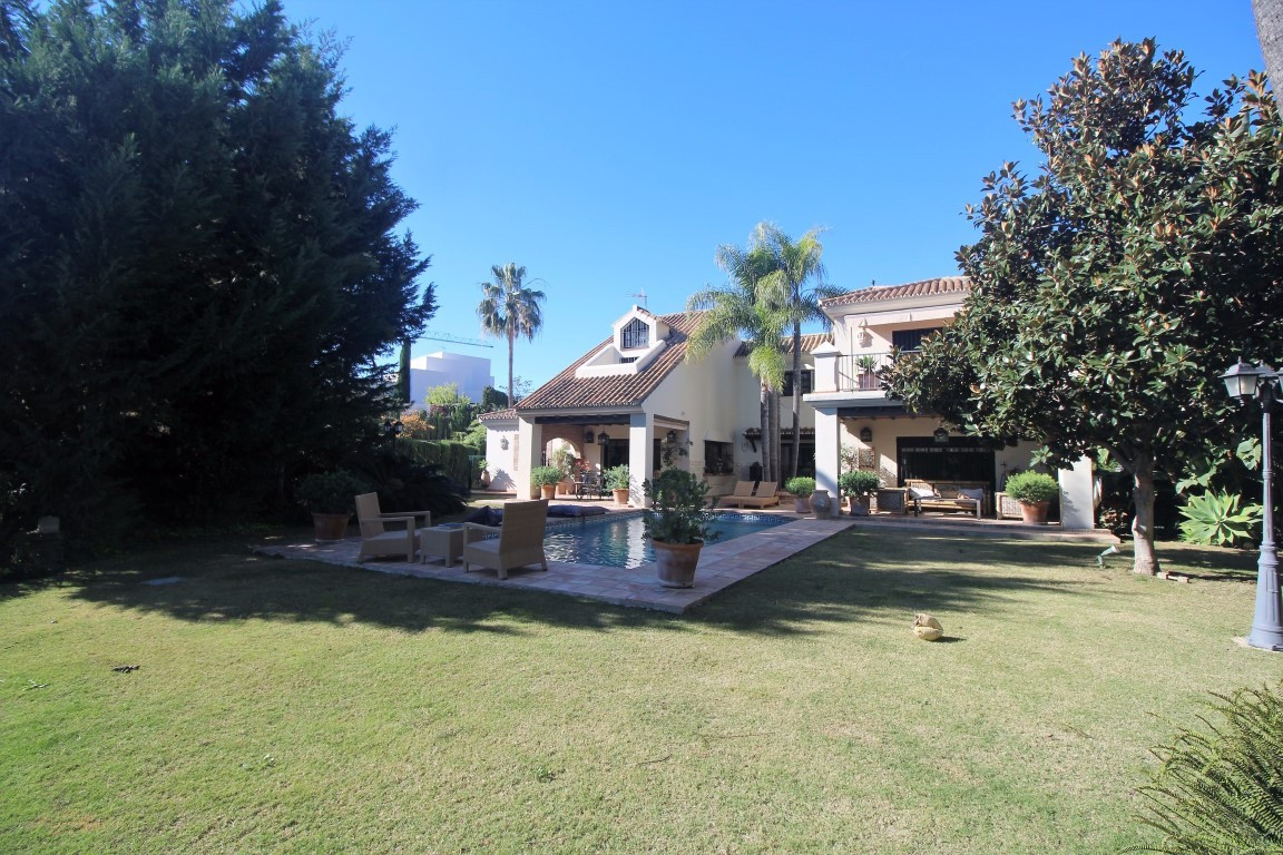 Spectacular cozy and charming villa located on a big plot with large beautiful garden and private po,Spain