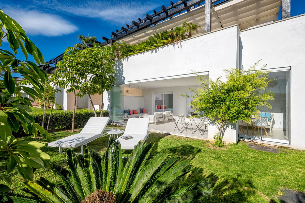Located in the heart of the Costa del Sol, in a privileged enclave between the sea and the mountains,Spain