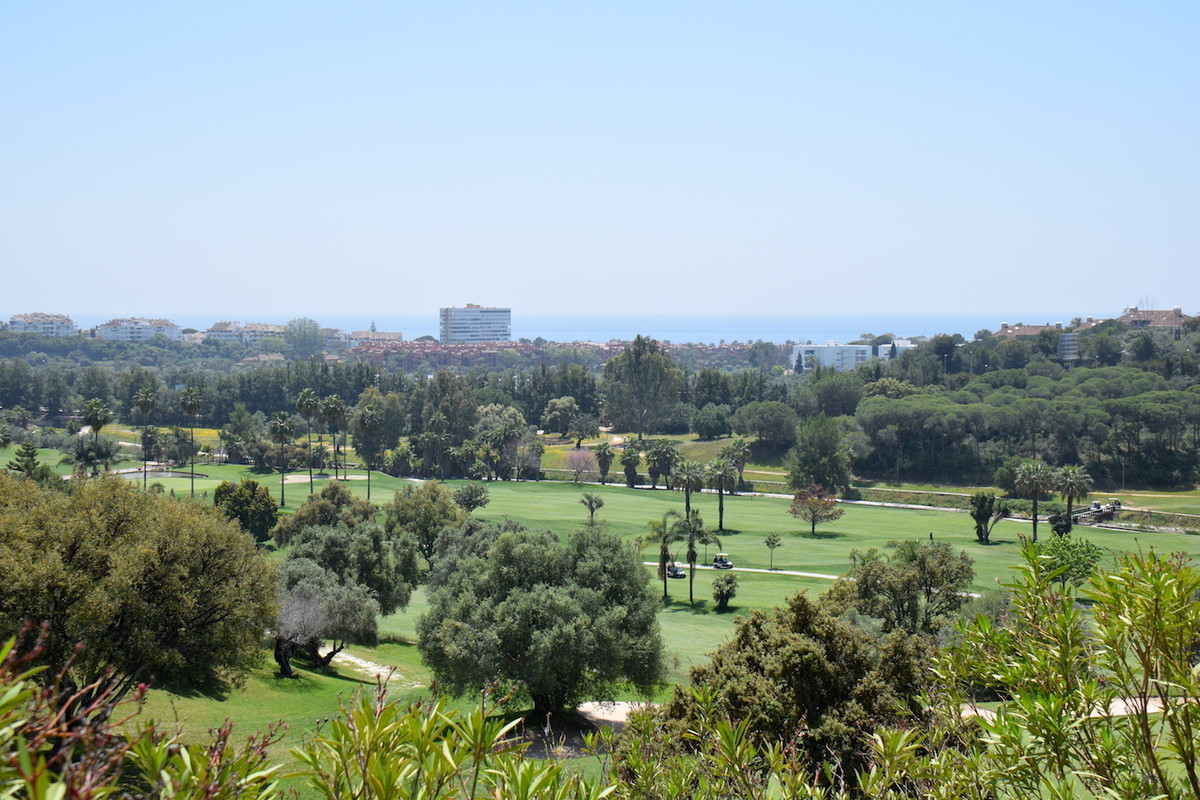 Fantastic semi-detached villa with spectacular views over the golf course and the sea. The house has, Spain