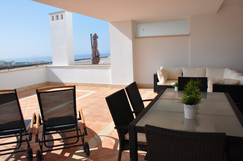 Fantastic luxury duplex apartment beautifully furnished with fantastic views. With a closed surface , Spain