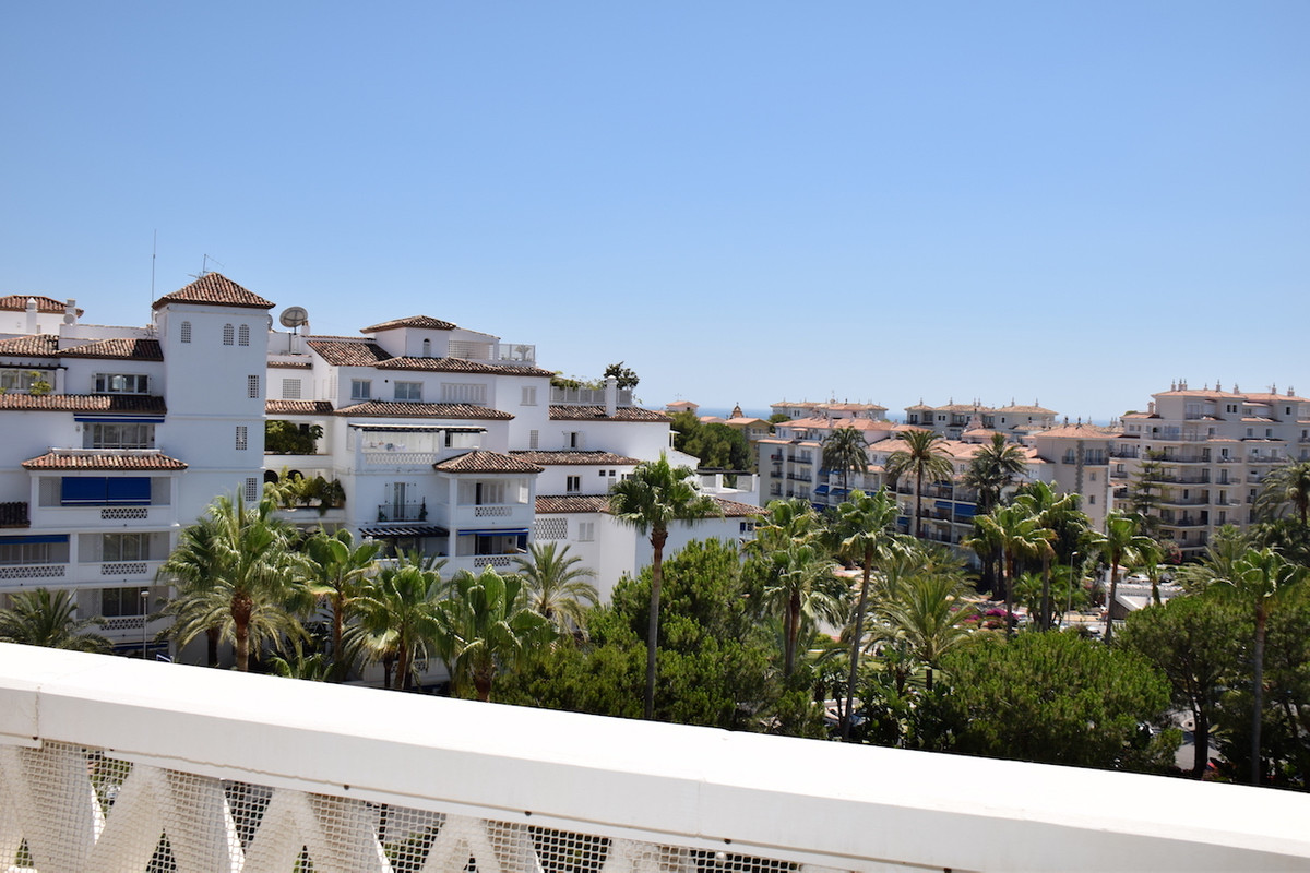 Fantastic apartment located at the entrance to Puerto Banus, within the complex with best location, ,Spain