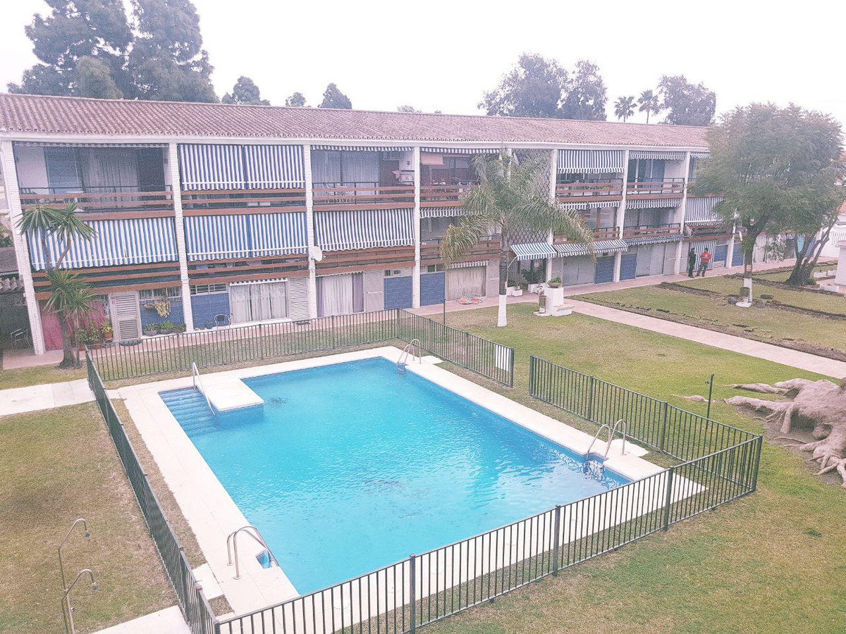 Apartment for sale in Cortijo Blanco, Costa del Sol