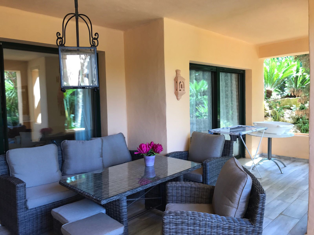 Apartment for sale in Atalaya, Costa del Sol