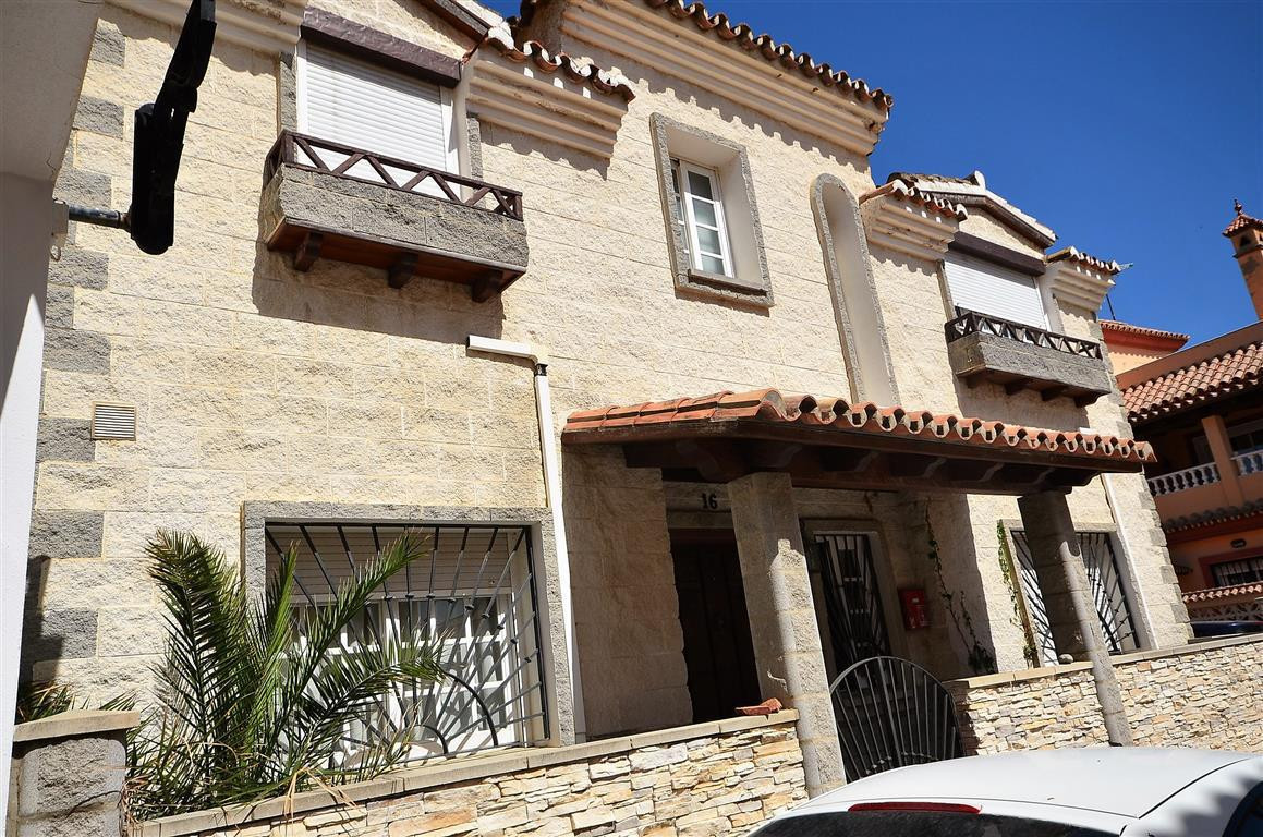 Townhouse for sale in San Luis de Sabinillas, Costa del Sol