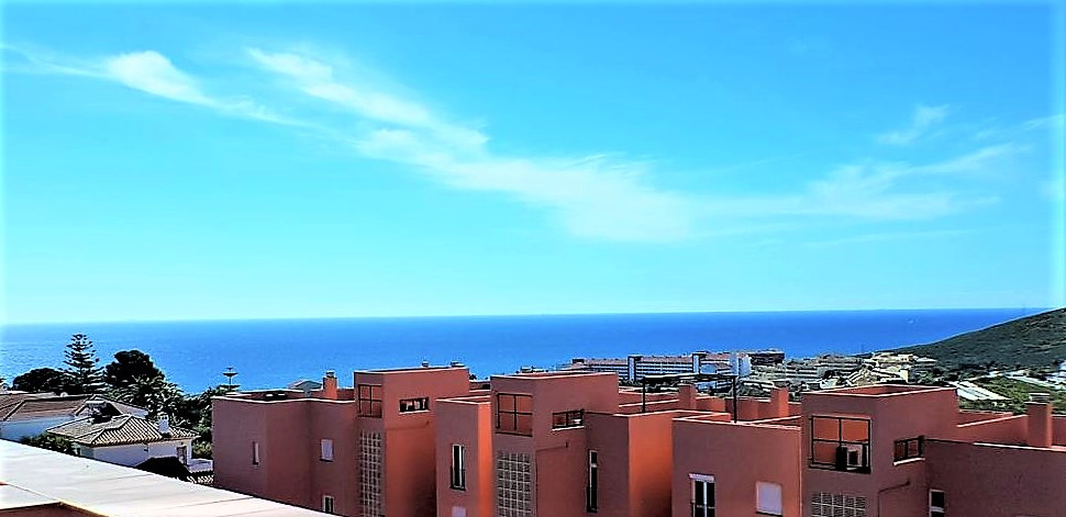 Apartment for sale in La Duquesa, Costa del Sol