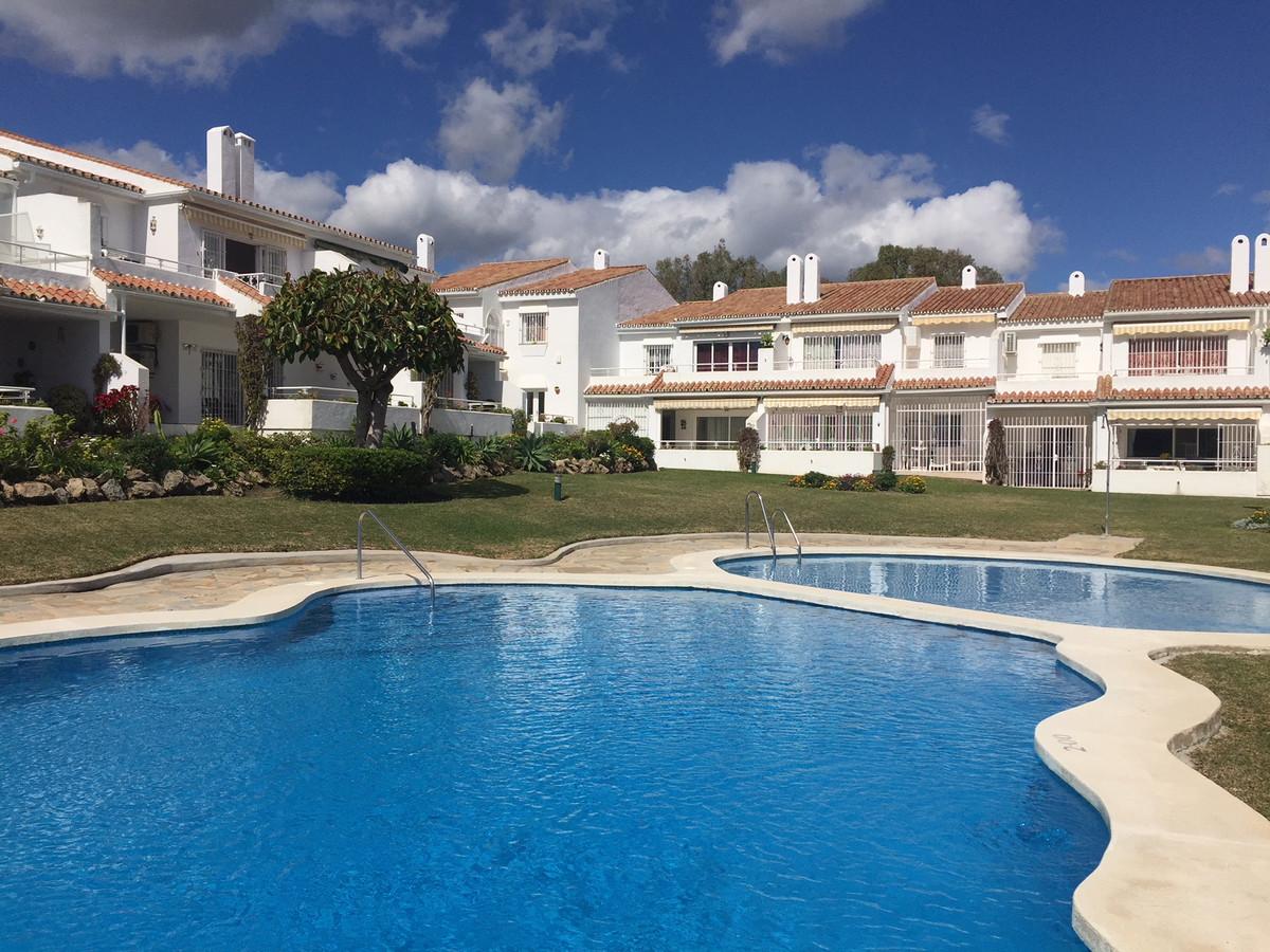 Apartment for sale in El Paraiso, Costa del Sol