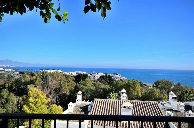 Marbella Banus Apartamento Planta Media en venta en Casares Playa – R3337408