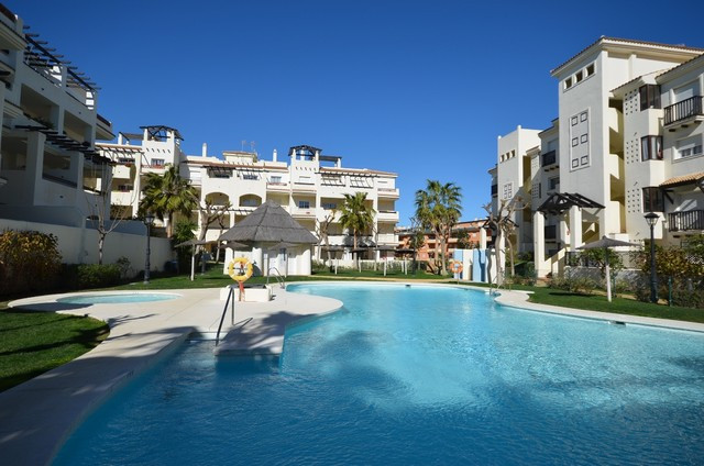 Residencial Duquesa 1, 4 bedroom apartment for sale. 2 apartments to be sold togheter. Just reduced ,Spain