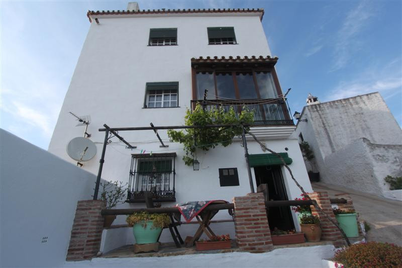 Apartment for sale in Casares Pueblo, Costa del Sol