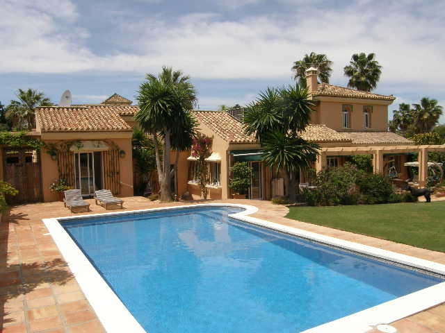Villa for sale in Sotogrande Costa, Costa del Sol