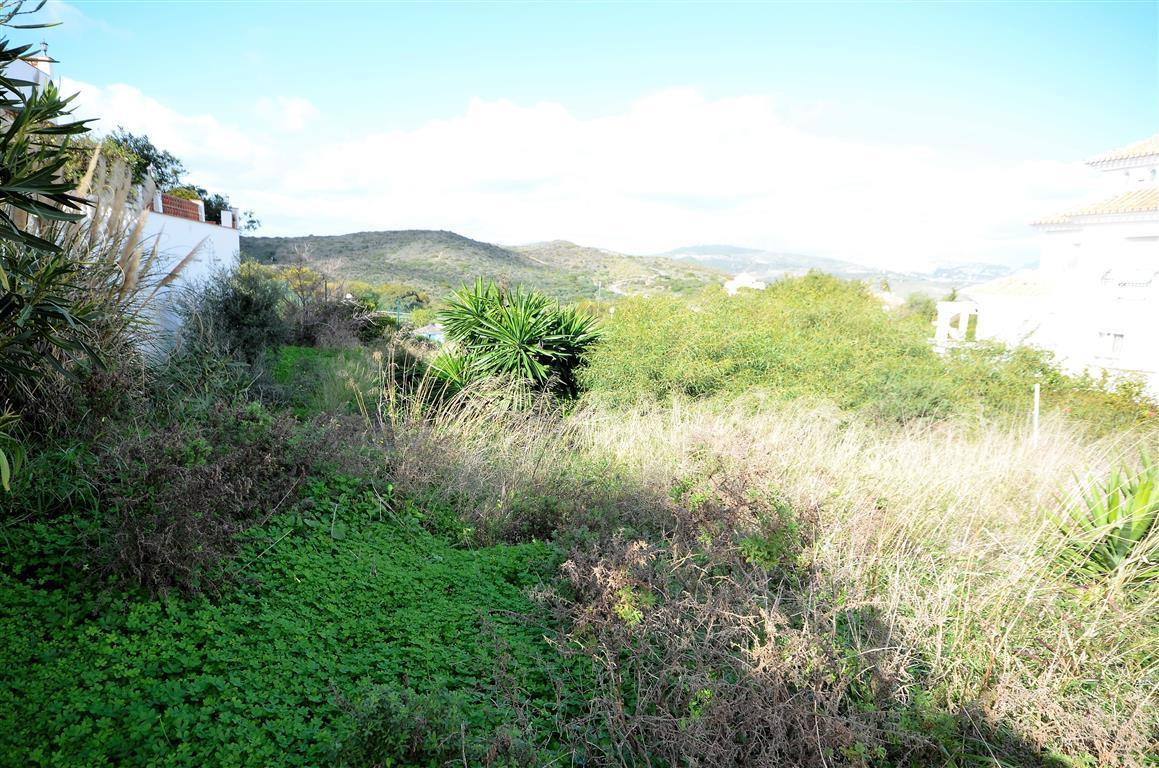 Plot/Land for sale in La Duquesa, Costa del Sol