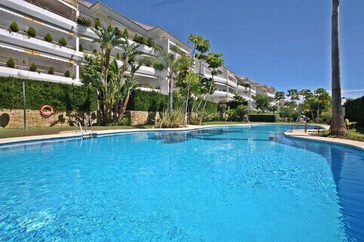 Apartment for sale in Guadalmina Baja, Costa del Sol