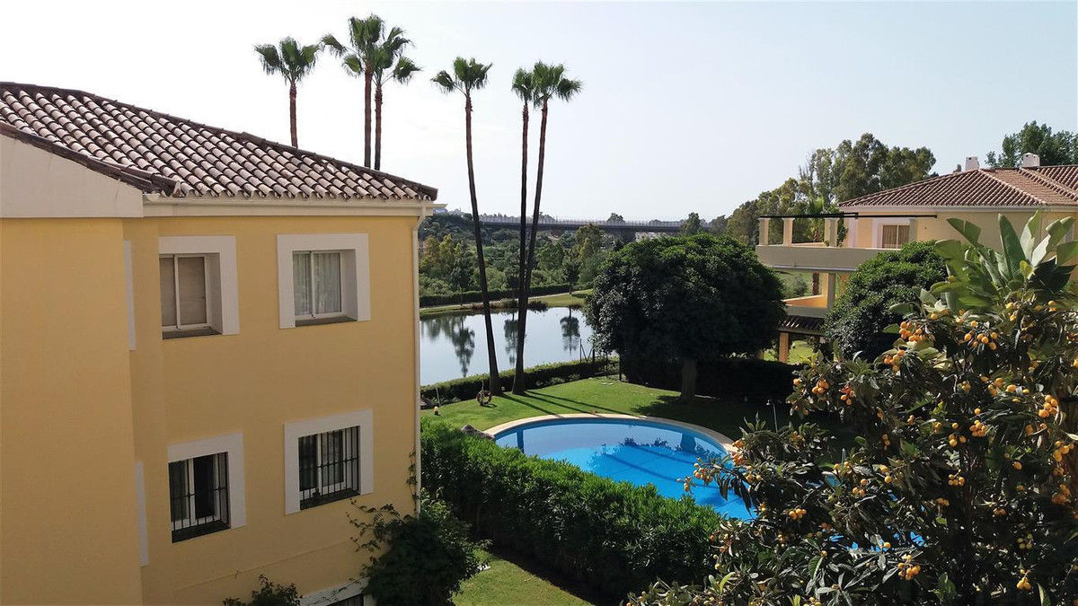 Apartment for sale in La Quinta, Costa del Sol