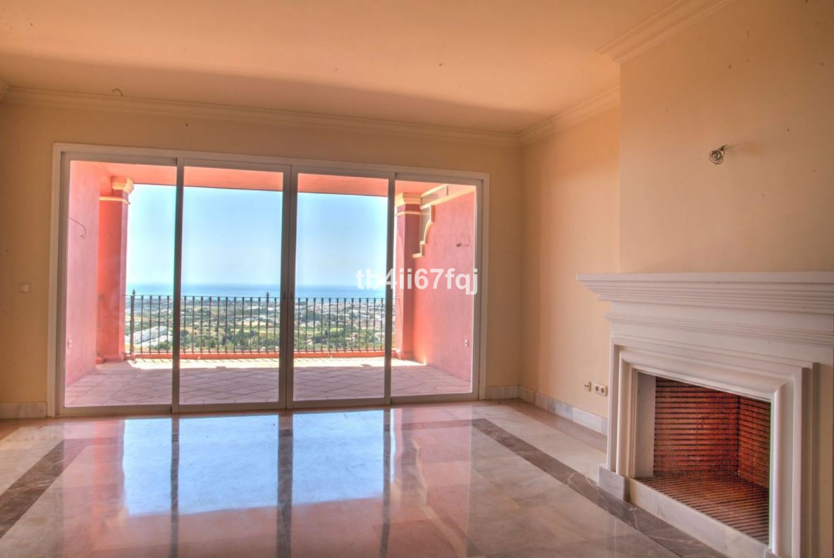 Apartment for sale in Monte Halcones, Costa del Sol