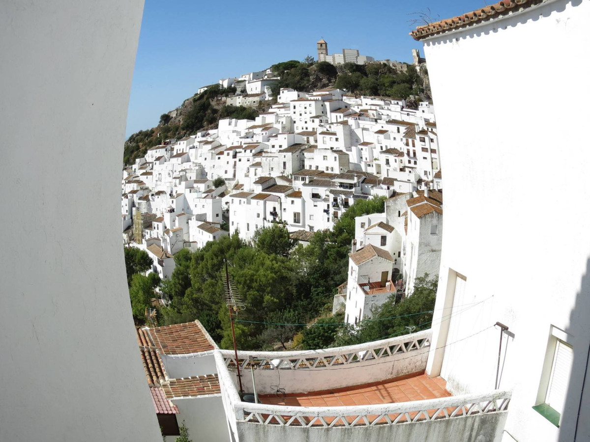 Townhouse for sale in Casares, Costa del Sol