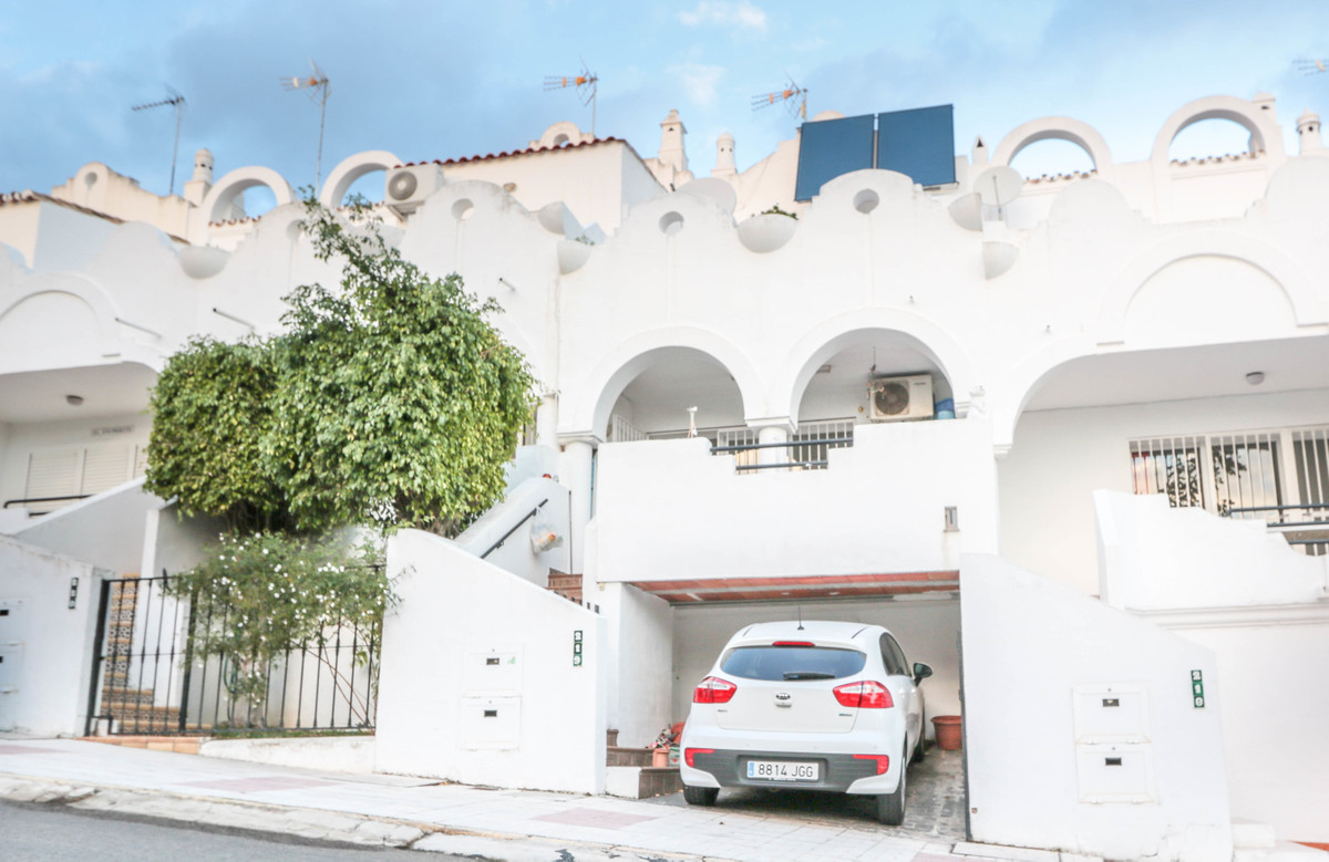 Townhouse for sale in Reserva de Marbella, Costa del Sol