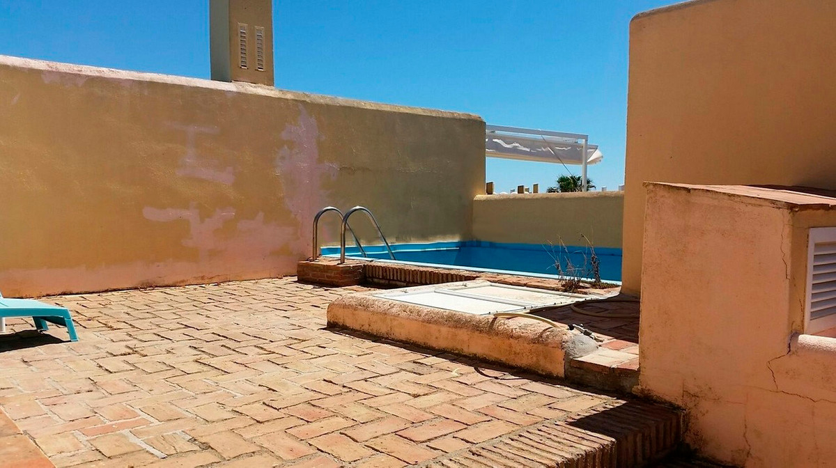 Townhouse for sale in Sotogrande Playa, Costa del Sol