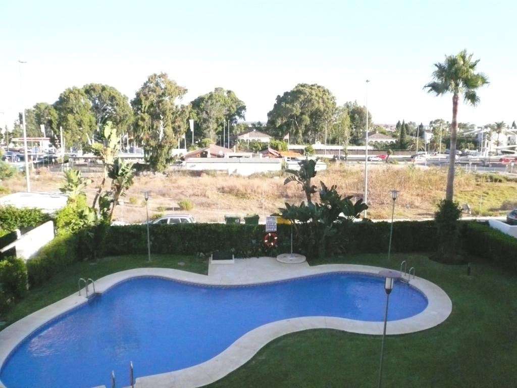Lägenhet till salu i Nueva Andalucía, Costa del Sol