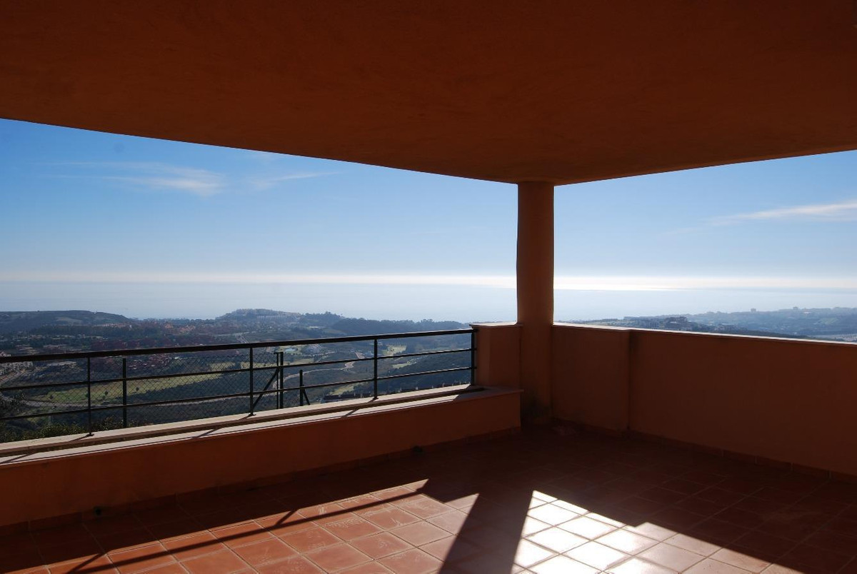 Apartments with 100% finance in Casares on Costa del Sol