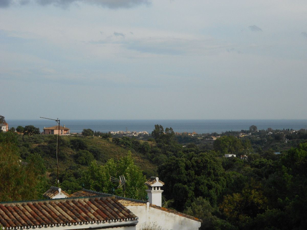 Apartment for sale in El Padron, Costa del Sol