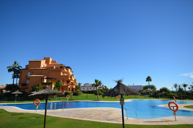 Apartment, La Duquesa, 345.000