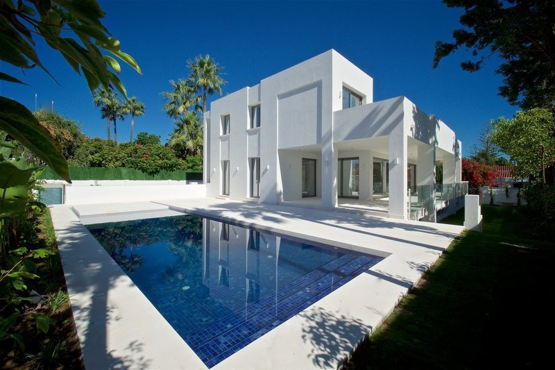 Villa for sale in Cortijo Blanco, Costa del Sol