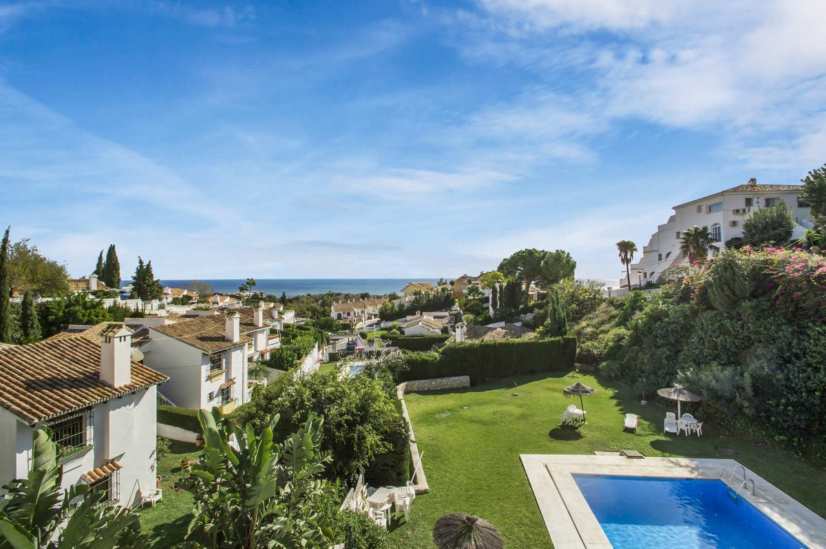 Lovely 2 bedroom, 1 bathroom apartment at Urb. La Tinaja, in Torremar, Benalmadena.  Gifted with uno, Spain