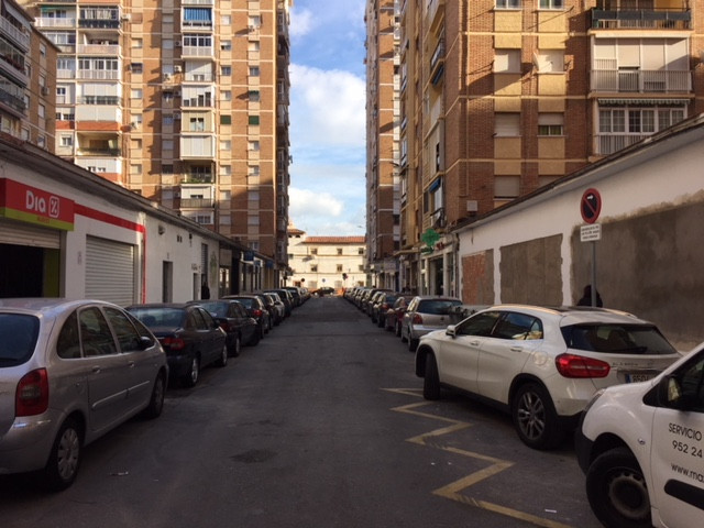 Opportunity for excellent commercial premises in Huelin or for housing, storage, just 20 meters from, Spain
