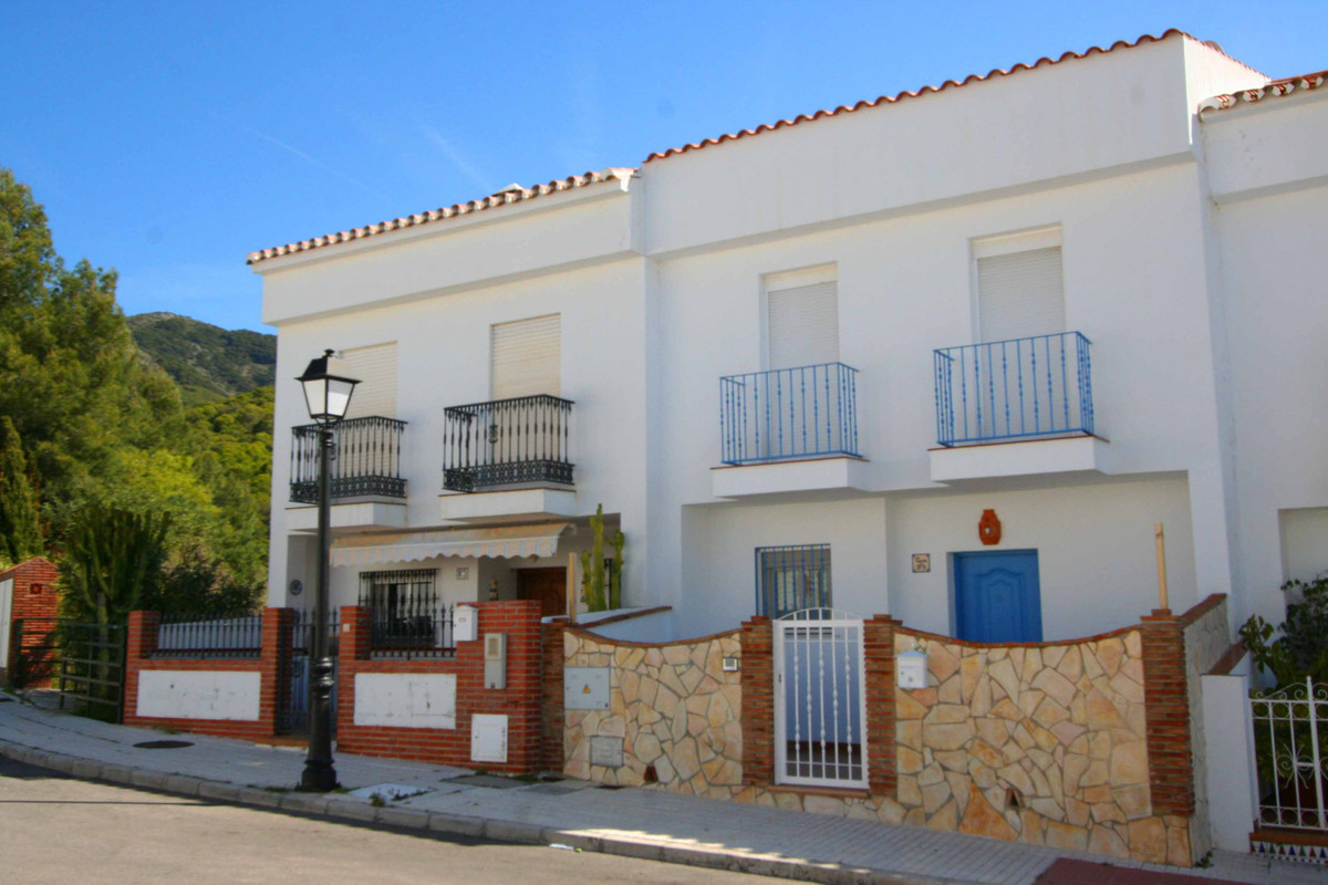 Adosados, Mijas, Costa del Sol. Beautifully presented four bedroom two bathroom townhouse in the are, Spain