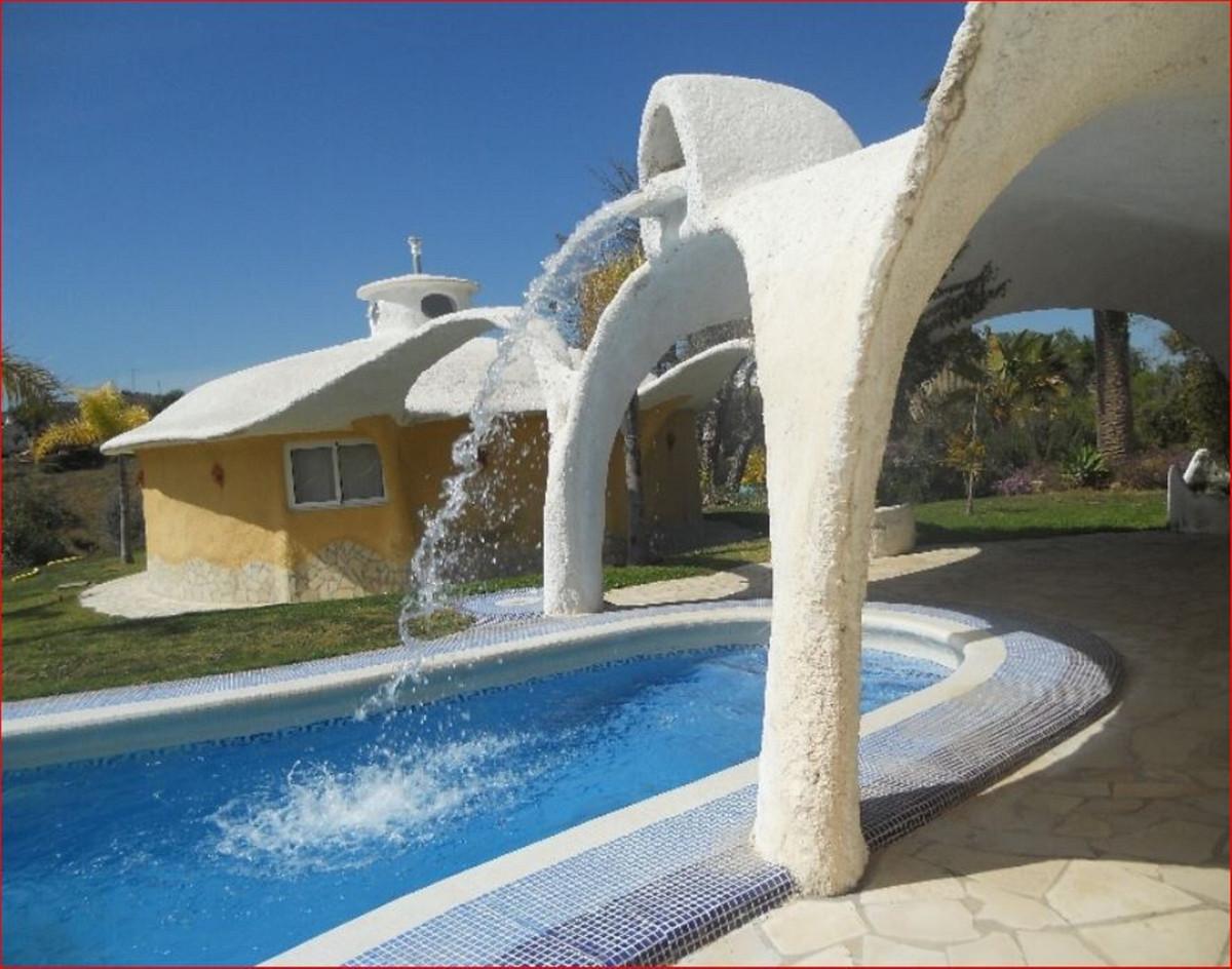 Hotel for sale in Monda R3918787