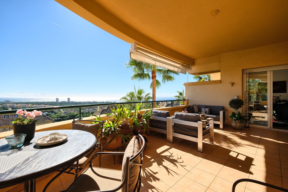 Marbella Banus Apartamento Planta Media en Venta en Elviria – R3066490