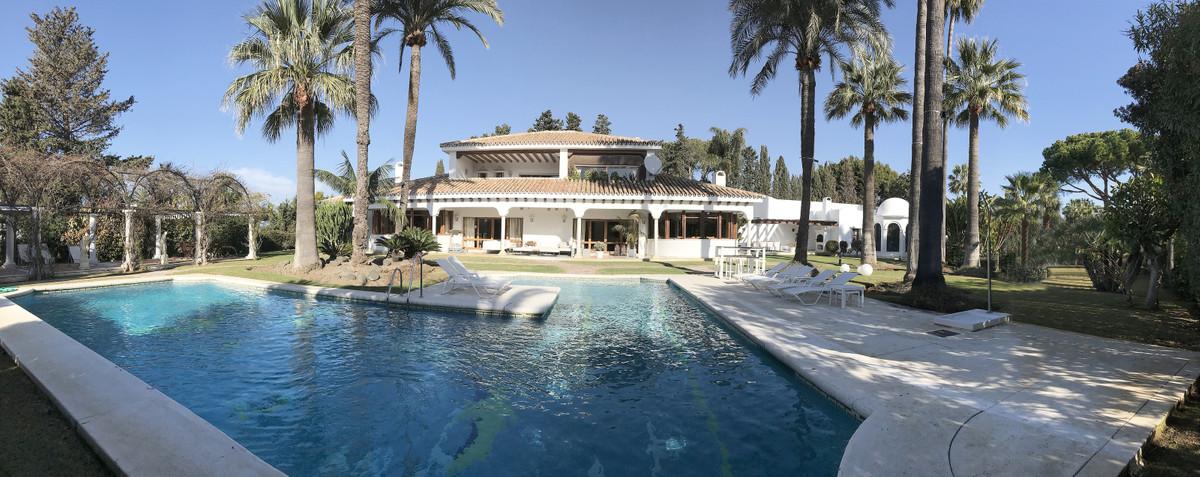 Marbella Banus Villa – Chalet en Venta en Los Monteros – R3534244