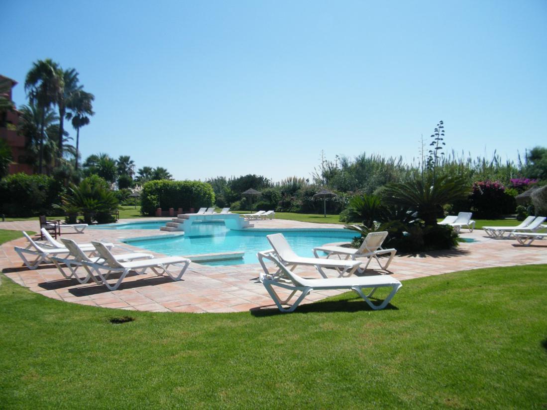 Marbella Banus Apartamento Planta Baja en Venta en Marbella – R2773466
