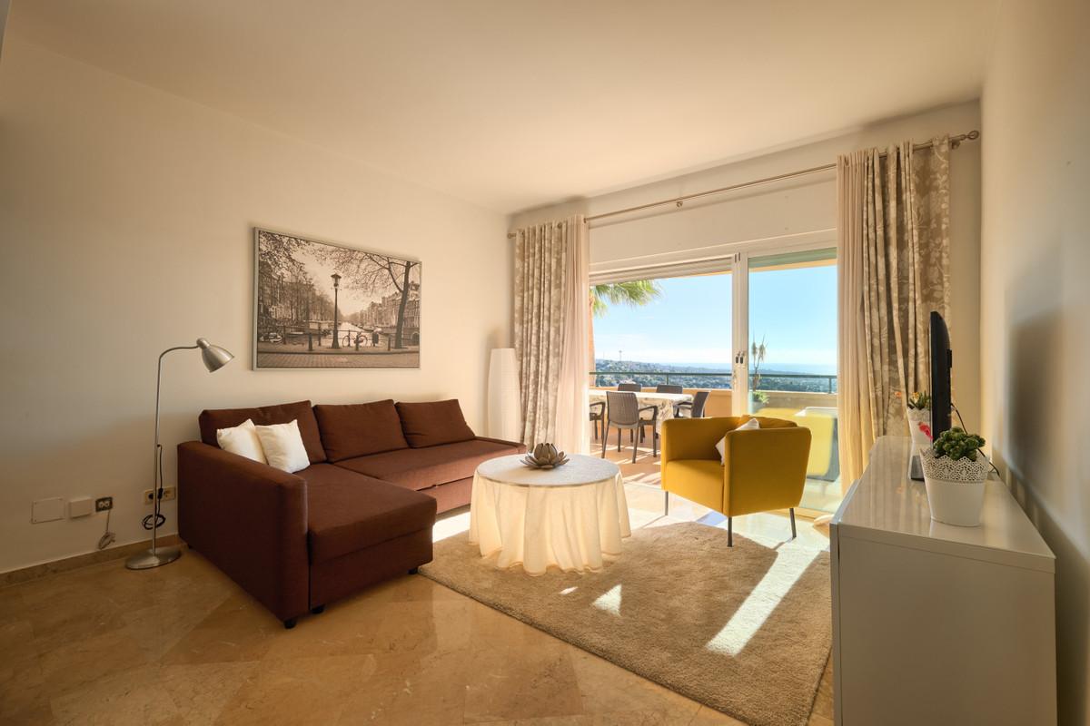 Apartamento en Venta en Elviria – R3211489