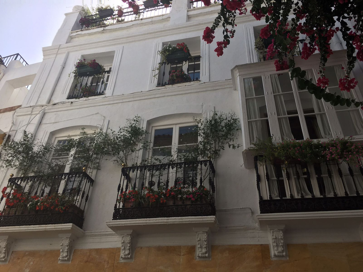 Marbella Banus Apartamento en Planta Última en venta en Marbella – R3235819
