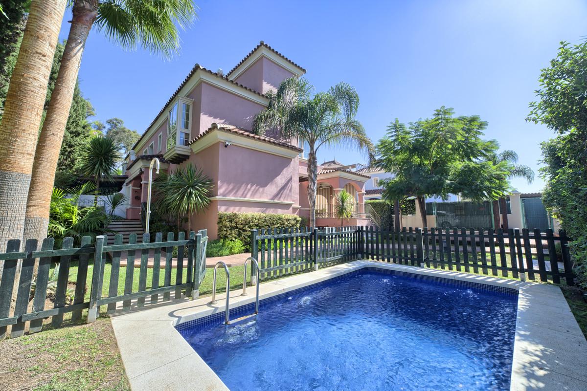 Villa – Chalet en Venta en Puerto Banús – R3374104