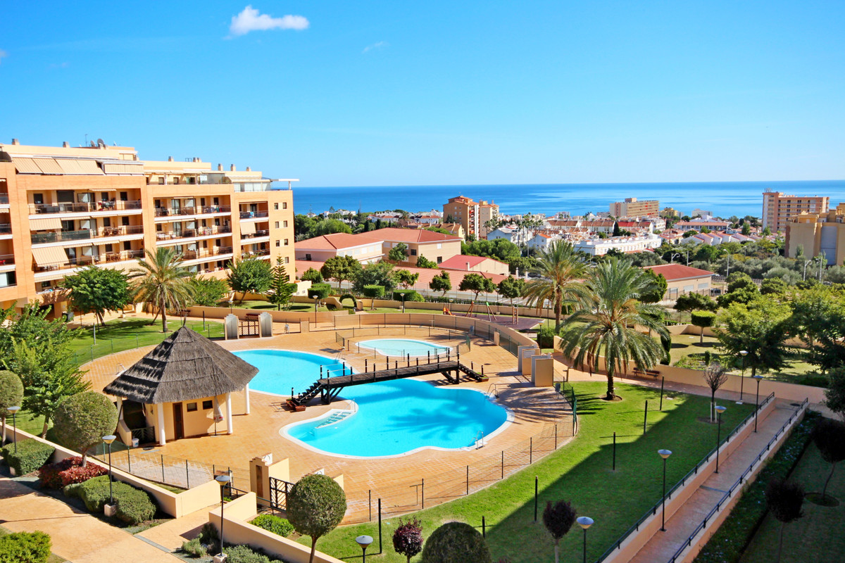 4 bedroom apartment for sale torremolinos