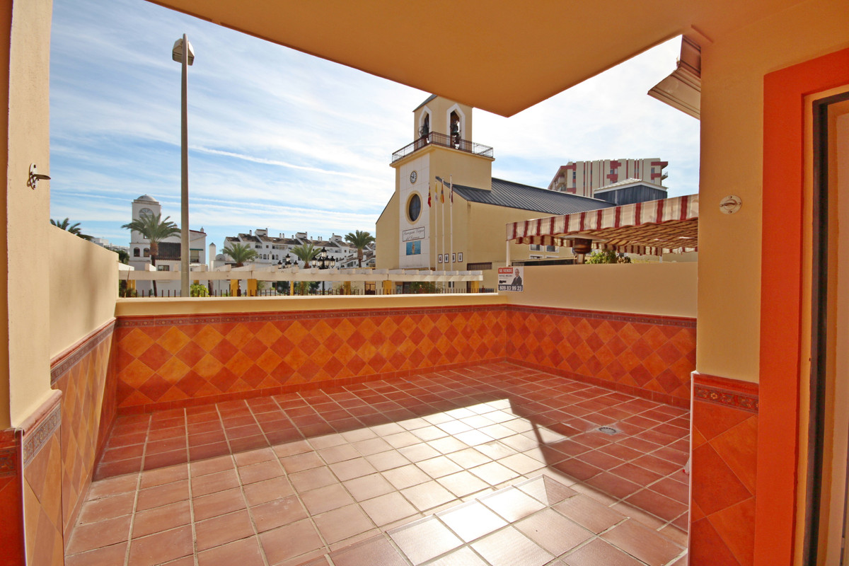 1 bedroom apartment on the ground floor, fully renovated, spacious with 52 meters, with entrance hal,Spain