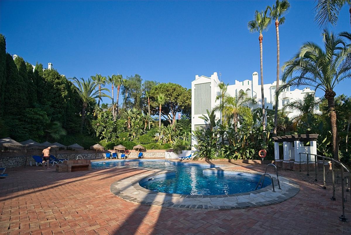 Marbella Banus Apartment for Sale in Reserva de Marbella – R3896812