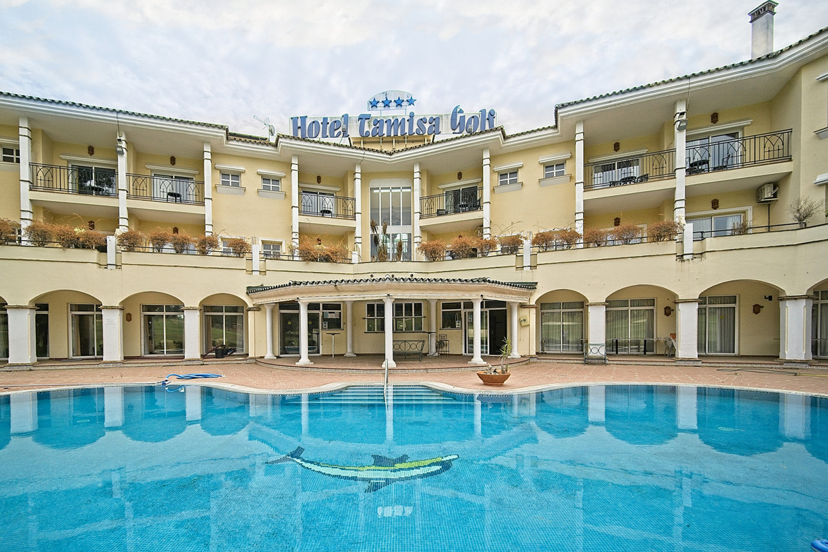 BANK MANDATED AGENT SELLS THE TAMISA GOLF HOTEL MIJAS. This property is situated overlooking the ren,Spain