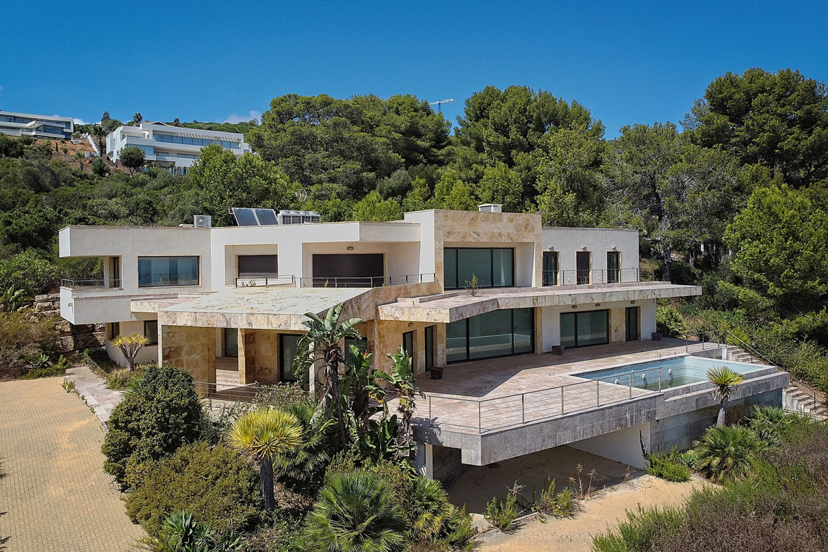 BANK REPO!!! Stunning mansion set in the exclusive Reserva de Sotogrande development, close to some , Spain