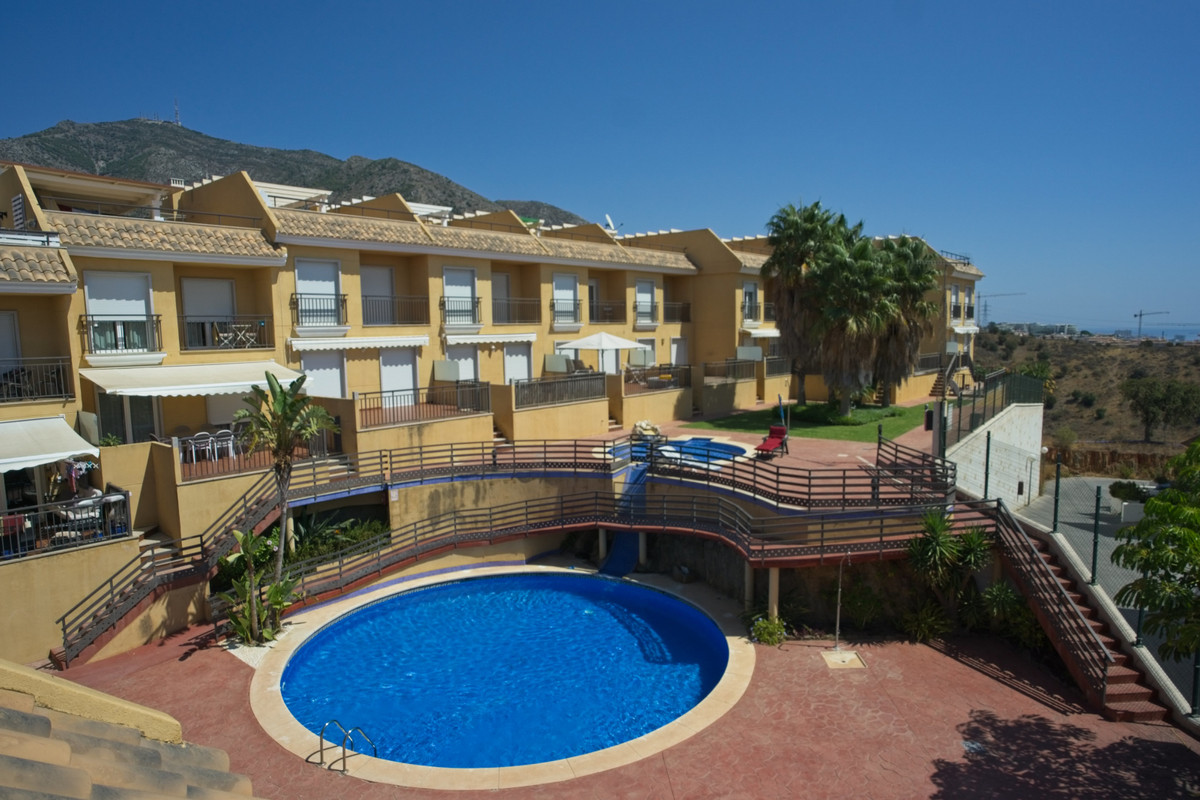 Townhouse, Torreblanca, Costa del Sol. 3 Bedrooms, 2 Bathrooms, Built 161 m², Terrace 60 m².  Settin, Spain