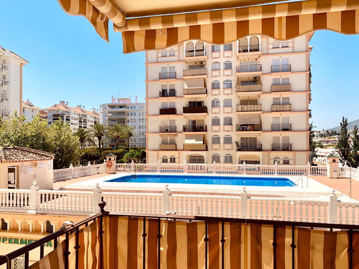 Middle Floor Apartment for sale in Fuengirola R3769936