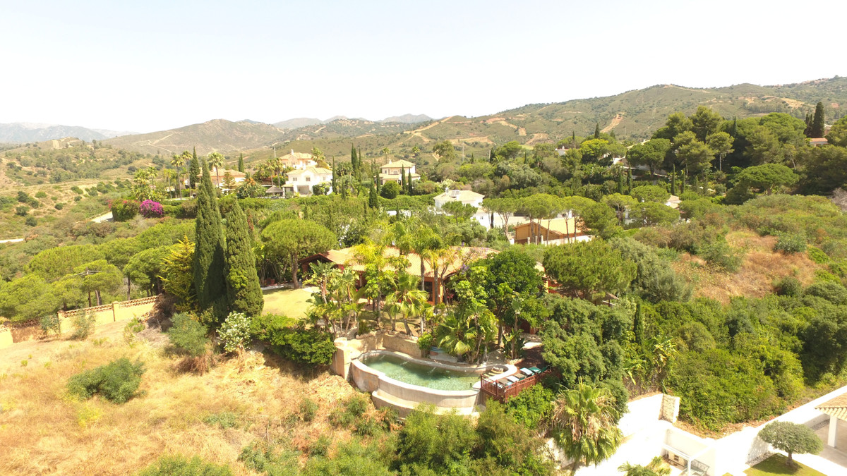 - Country house in the Andalusian - Mexican style (top quality) in a top location - Max. 5 minutes d,Spain