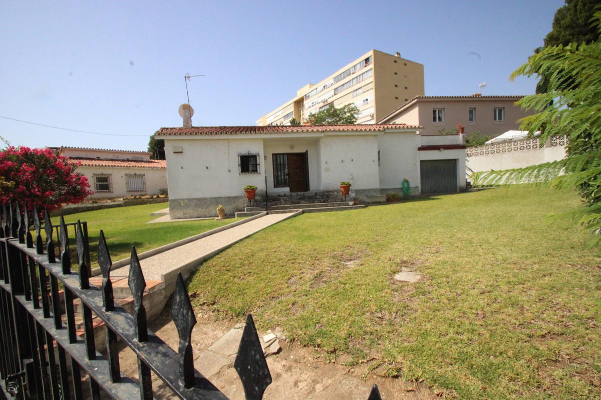 Detached Villa, Benalmadena Costa, Costa del Sol. 2 Bedrooms, 1 Bathroom, Built 119 m², Terrace 19 m,Spain