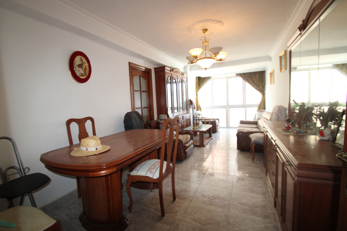 4 Bedroom Middle Floor Apartment For Sale Fuengirola